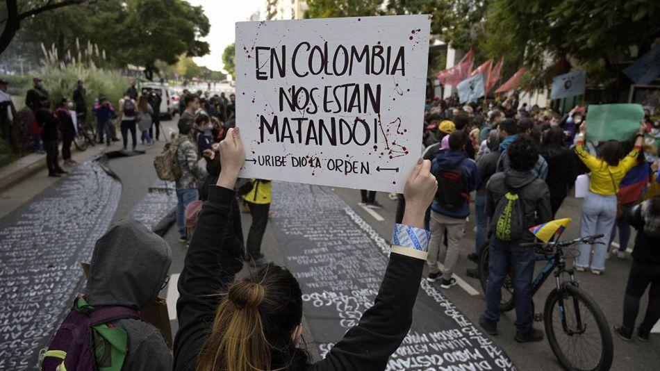 Colombia: otro país mimado por el FMI y el Banco Mundial que enfrenta  graves conflictos sociales | Agencia Paco Urondo | Periodismo militante